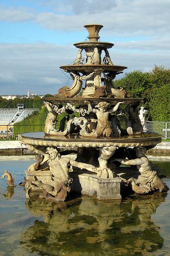 Fontaine de la pyramide jardins de versailles fran ois for Jardin a la francaise versailles