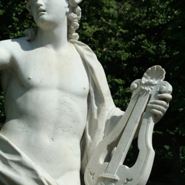 Parc de Versailles, bosquet des Dômes. Arion avec sa lyre, par Jean-Melchior Raon, 1686-1695.