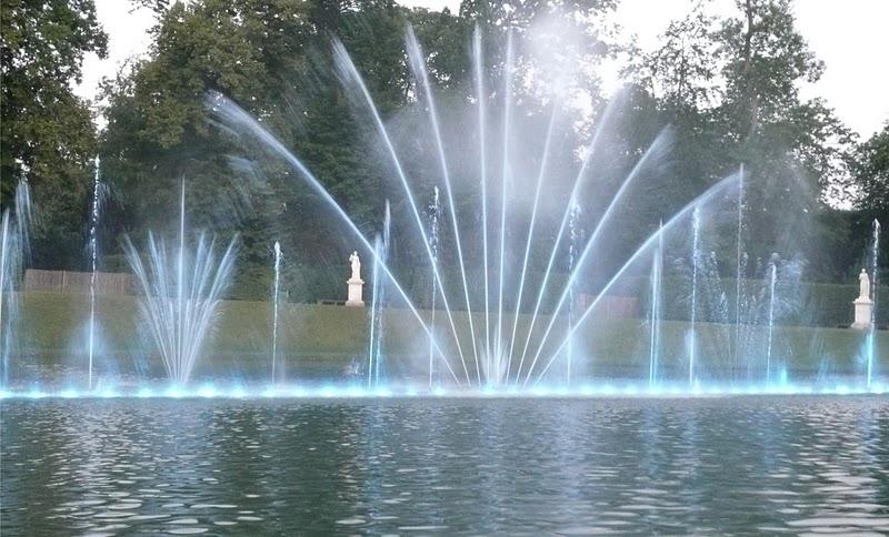 Bassin du miroir jardins de versailles grandes eaux for Bassin miroir