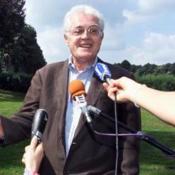 Lionel Jospin, premier ministre dans le parc