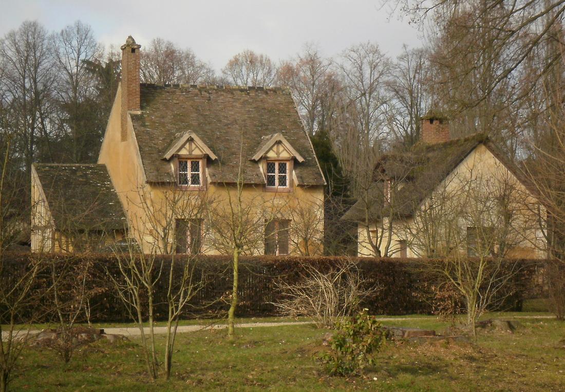 Hameau de la reine jardins de versailles maisons for Jardin a la francaise versailles