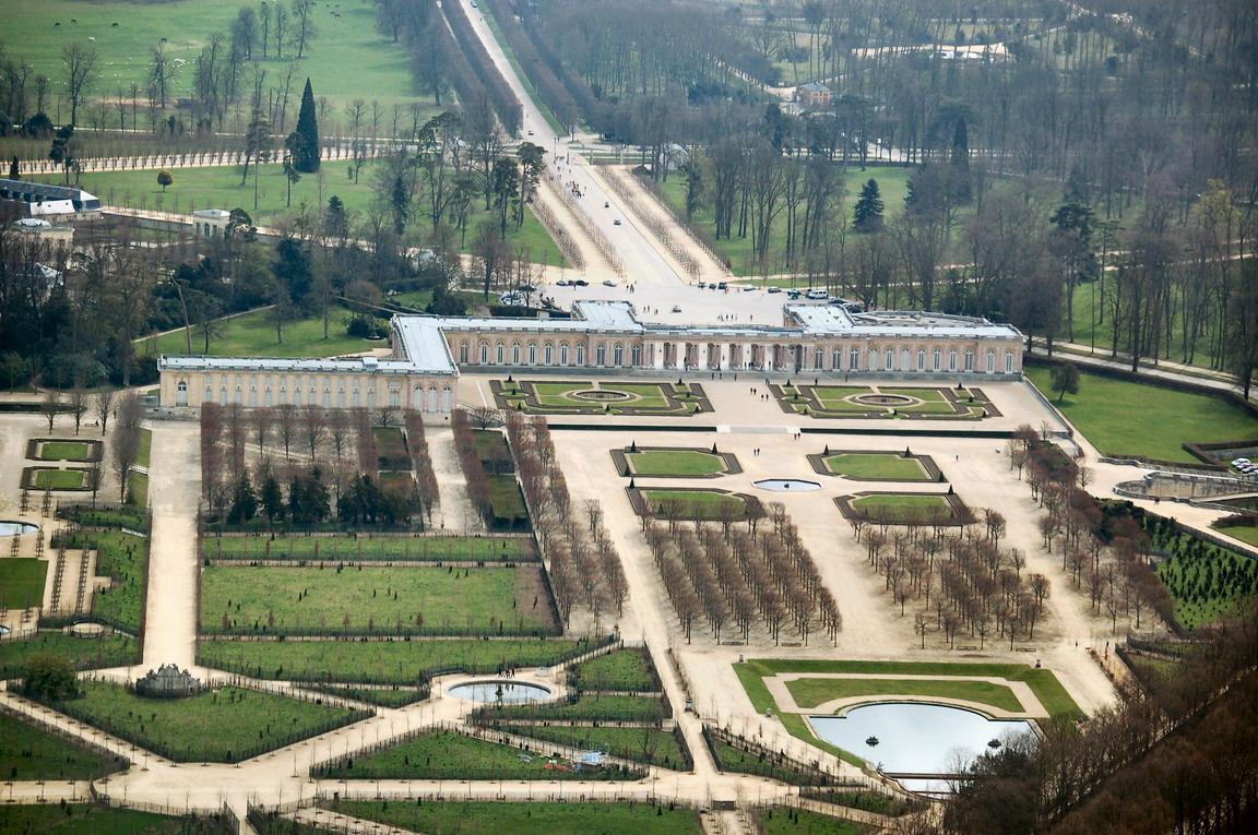 Jardins du grand trianon vue a rienne andr le n tre for Jardin de versalles