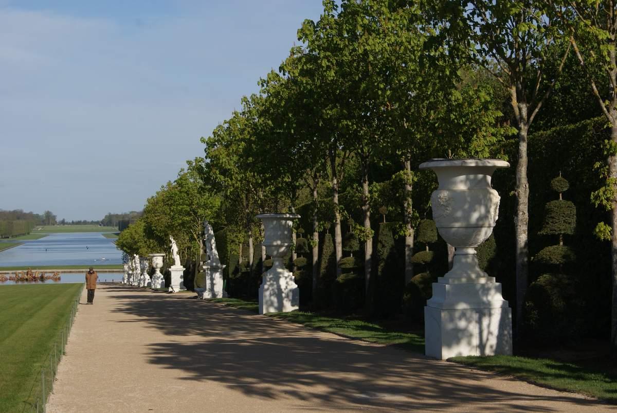 All e royale jardins de versailles contre all e andr for Jardin versailles