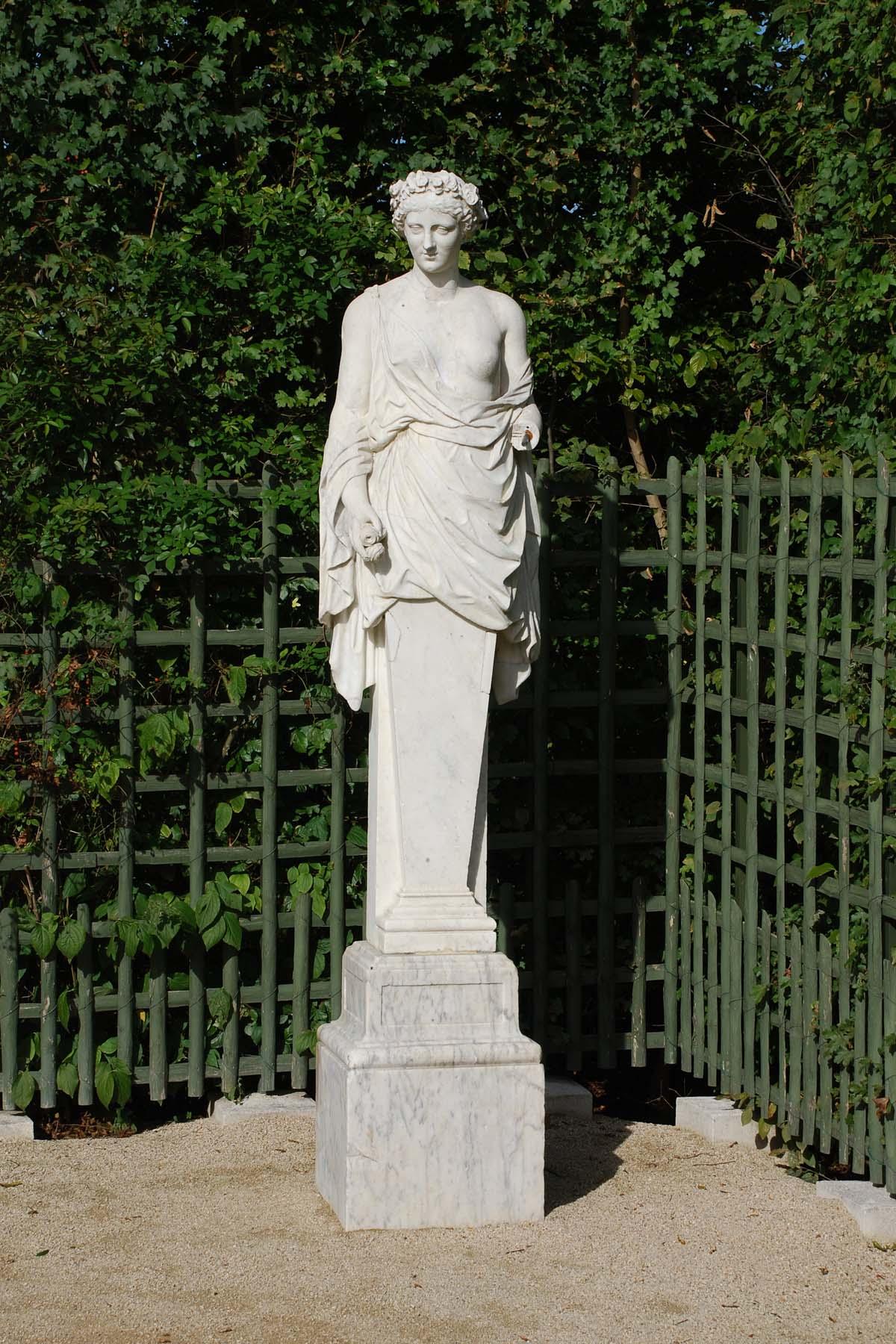 Statue de flore d apr s poussin jardins de versailles for Statue de jardin belgique