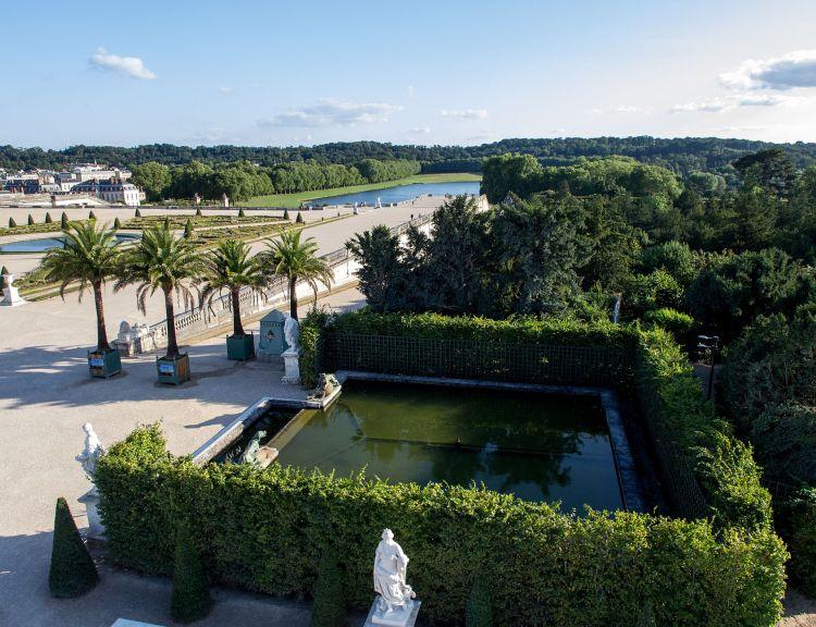 1920px-Vue_aérienne_du_domaine_de_Versailles_par_ToucanWings_-_Creative_Commons_By_Sa_3.0_-_079