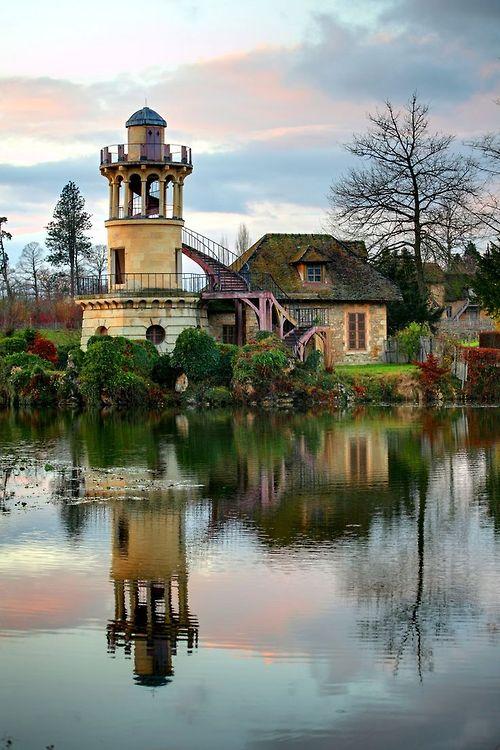 Tour de Marlborough, hameau de la Reine, domaine de Trianon : présentation  (douze photographies) – André Le Nôtre