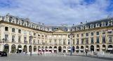 place de Louis le Grand avec la représentation de la marche des chars et cortège des gardes de la ville le 13 février 1747