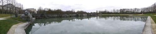 1920px-Bassin_de_Neptune_-_Parc_du_Château_de_Versailles_-_11_mars_2011_-_P1050652-P1050659
