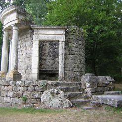 Temple de la philosophie dans le parc Jean-Jacques-Rousseau, Ermenonville