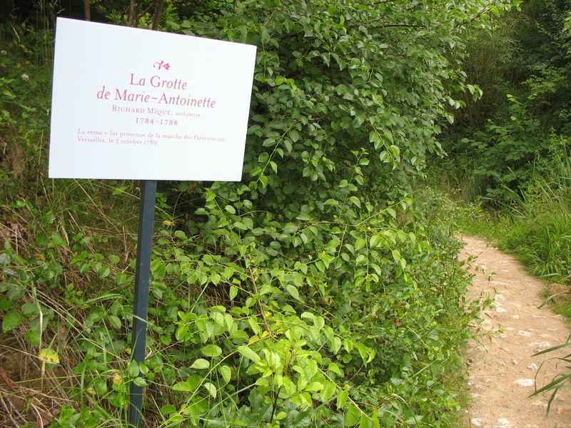 Grotte de marie antoinette jardin anglais du petit for Jardin anglais du petit trianon