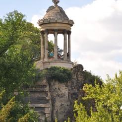 Temple de la Sibylle, parc des Buttes Chaumont, Paris