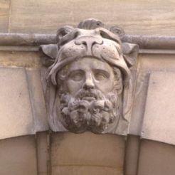 Masque d'Hercule, façade du château