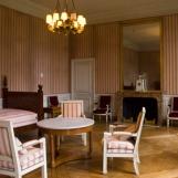 ancienne chambre-cabinet de Louis-Philippe, meublée dans les styles Empire et Restauration par le Mobilier national dans les années 1960 pour les hôtes étrangers de la France