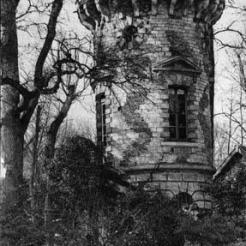 Deux photographies de la Tour Malborough de Bellevue
