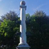 Colonne rostrale dédiée à La Pérouse